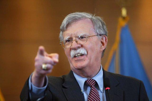 John Bolton en una rueda de prensa en Kiev en agosto de 2019