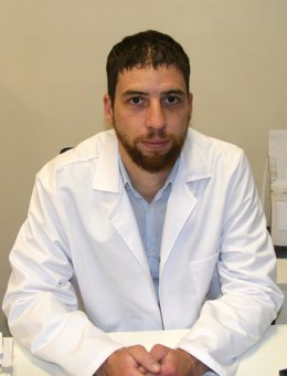 El doctor Javier Cervera, especialista en Cirugía Ortopédica y Traumatología