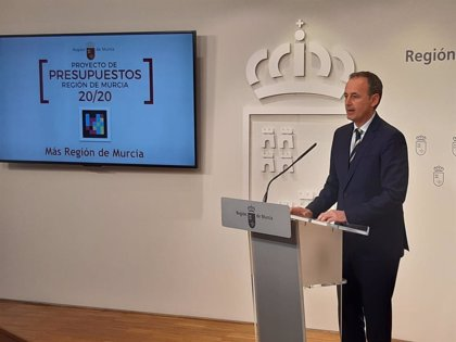 El Gobierno regional destina 56 millones de inversión al Mar Menor y bajará de nuevo el IRPF