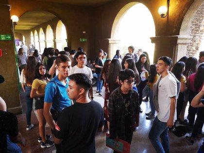 Enfrentamientos entre Carabineros y estudiantes durante los exámenes de acceso a la universidad en Chile