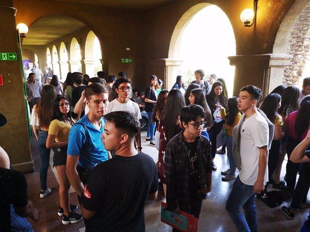 Examen de acceso a estudios superiores en la Universidad San Sebastián de Chile