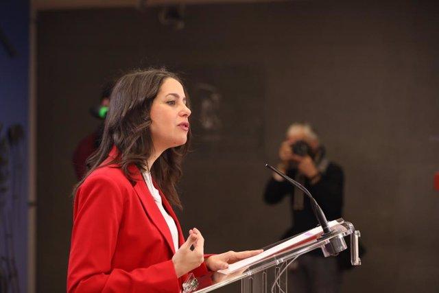 La presidenta i portaveu del Grup Parlamentari Ciutadans, Inés Arrimadas, en roda de premsa a Madrid (Espanya), 21 de gener del 2020.