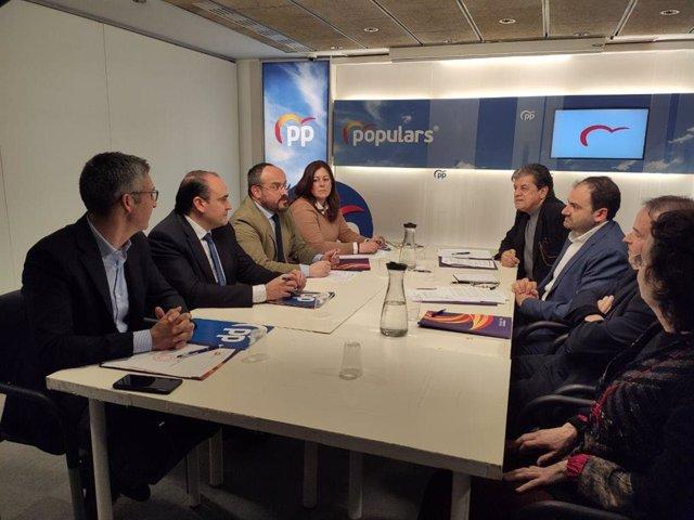 Reunión entre el PP y SCC