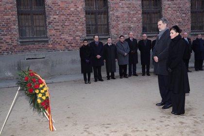 """Los Reyes, en el 75 aniversario de la liberación de Auschwitz: """"Que la humanidad no vuelva a caer en un horror así"""""""