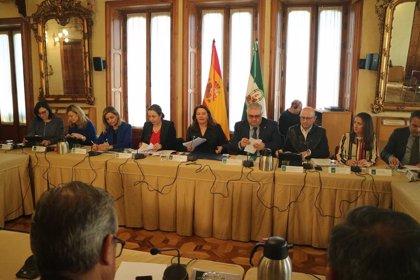 La Junta anuncia la constitución de una mesa de expertos para impulsar la plataforma de comercialización hortofrutícola