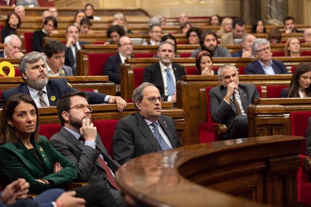 La consellera de la Presidència, Meritxell Budó; el vicepresident de la Generalitat, Pere Aragonés i el president de la Generalitat, Quim Torra, durant el ple del Parlament de Catalunya, Barcelona (Espanya), 27 de gener del 2020.