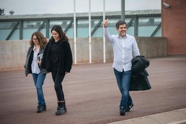 L'expresident de l'Assemblea Nacional Catalana (ANC), Jordi Sànchez dissabte sortint de la presó de Lledoners en el seu primer permís penitenciari de dos dies