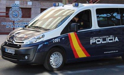 Sucesos.-Roban dos furgonetas, cinco equipo de sonido y cien equipos de audio y música en una nave del ICAS