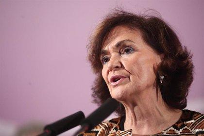 Carmen Calvo pide a la oposición respeto a la política exterior del Gobierno con Venezuela