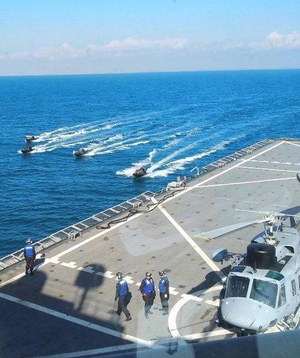 La Armada realiza en aguas del Golfo de Cádiz y la Base de Rota el ejercicio anfibio 'Adelfibex-01'