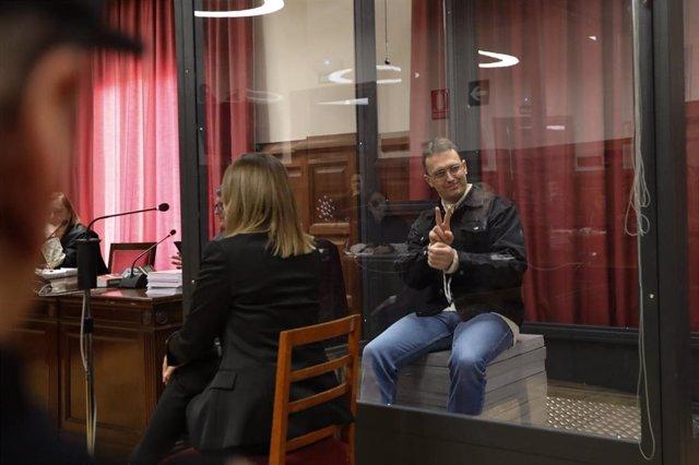 Norbert Feher, alias 'Igor el ruso', en la sala de vistas de la Audiencia de Teruel, durante el juicio por dos presuntas tentativas de homicidio en 2017