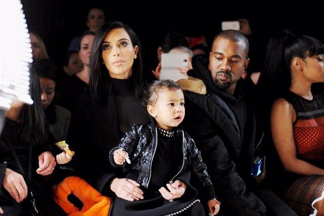 Kim Kardashian y Kanye West con North
