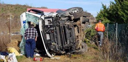 Accidente de dos camiones sin heridos en la AP-15, en Tafalla