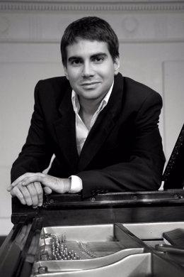 Nota/ El Pianista Cartagenero Gabriel Escudero Ofrece Un Recital En El Auditorio Regional Con Obras De Chopin Y Beethoven