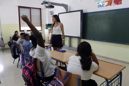 """CSIF muestra su satisfacción con la oposición de 2.900 plazas docentes y defiende ofertas """"amplias"""" en próximos años"""
