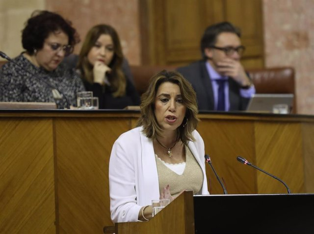 La secretaria general y presidenta del grupo parlamentario del PSOE-A, Susana Díaz, durante su intervención replicando al presidente de la Junta, Juanma Moreno