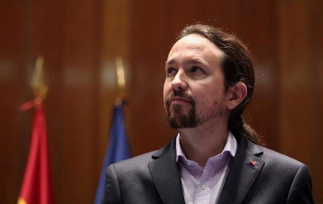 El vicepresidente de Derechos Sociales y Agenda 2030 para el Gobierno de coalición de PSOE y Unidas Podemos en la XIV Legislatura, Pablo Iglesias, tras la toma de posesión de su cargo en la sede del Ministerio de Sanidad en Madrid (España), a 13 de enero