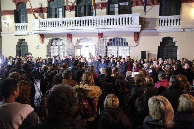Unas 500 personas se concentran en rechazo al asesinato machista en Sant Joan Despí