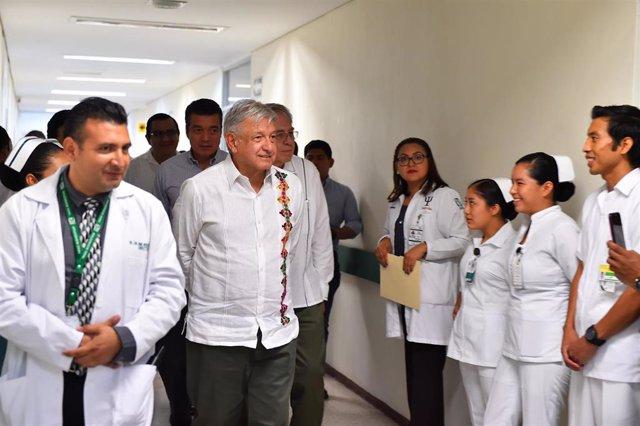 El presidente de México, Andrés Manuel López Obrador, durante su visita en julio de 2019 al Hospital Rural Venustiano Carranza, en Chiapas.