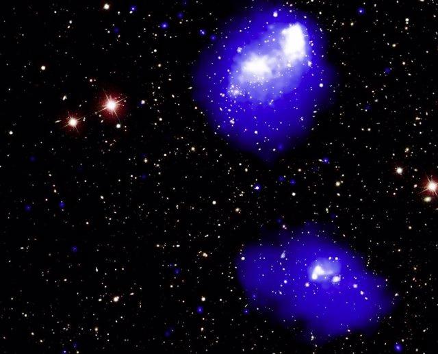 Fusión en ciernes de varios cúmulos de galaxias a 3.000 millones de años luz