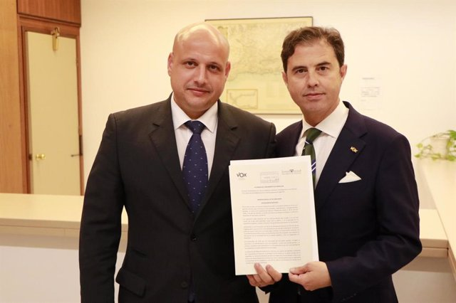 Rodrigo Alonso y Benito Morillo registran en el Parlamento de Andalucía la proposición de Ley de Concordia de Vox