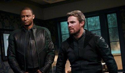 El final de Arrow resuelve el misterio de John Diggle y Linterna Verde (Green Lantern Corps)