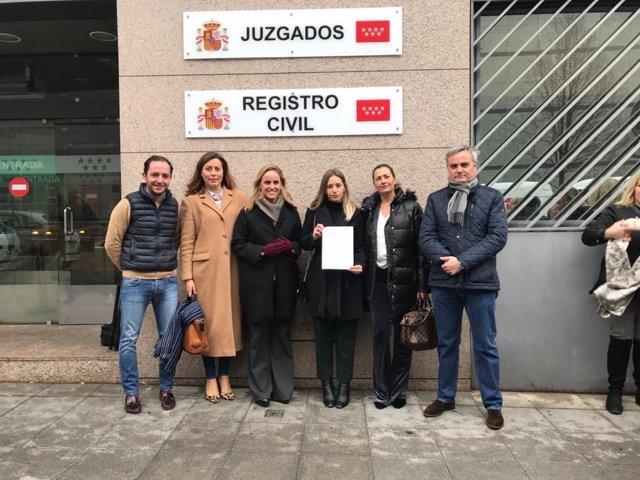 La portavoz del PP de Fuenlabrada, Noelia Núñez, presenta una denuncia por acoso en redes.