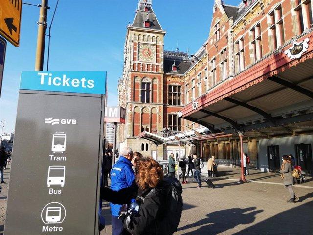Sistema de ticketing de la red de transporte de Ámsterdam instalado por Indra