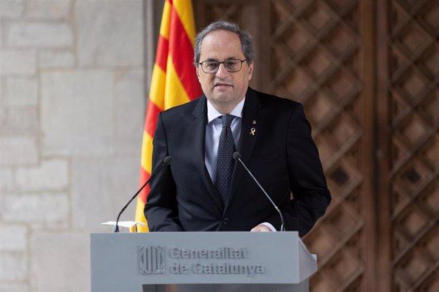 El presidente de la Generalitat, Quim Torra, pronuncia una declaración institucional en el Palau de la Generalitat en Barcelona el 29 de enero de 2020