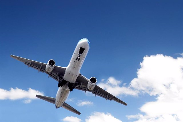 Un avión hace una ruta desde Málaga