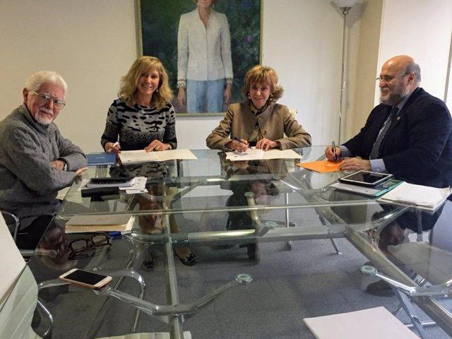 Firma del convenio marco entre el Colegio de Geólogos, Geólogos del Mundo y Mujeres por África
