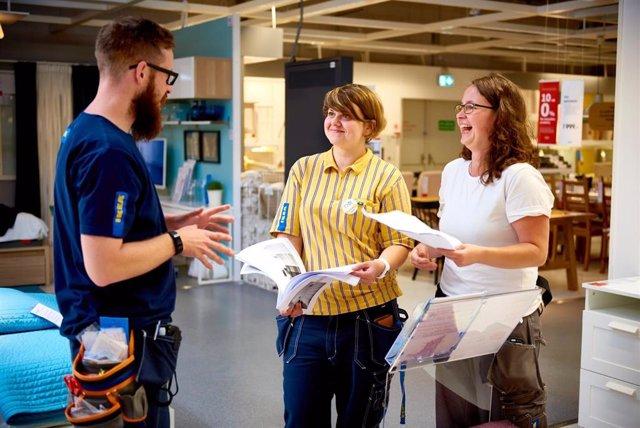 Ikea reparte 11 millones 'extras' entre sus 7.515 empleados en España
