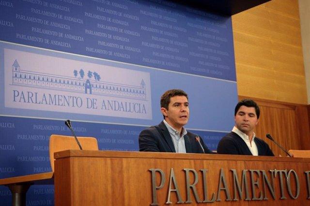 Rueda de prensa del portavoz parlamentario de Cs, Sergio Romero, y del portavoz del grupo parlamentario Cs en la comisión de agricultura, Enrique Moreno.