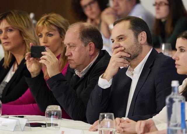 El secretario de Organización del PSOE y ministro de Transportes, Movilidad y Agenda Urbana, José Luis Ábalos, asiste al Comité Nacional de los socialistas gallegos, en Santiago de Compostela (Galicia / España) a 25 de enero de 2020.
