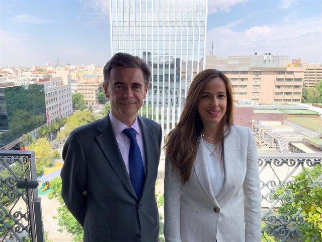 Antonio Muñoz-Suñe, director de Trea AM, junto con  Patricia López, responsable de desarrollo de negocio y relaciones con los inversores de Trea AM.