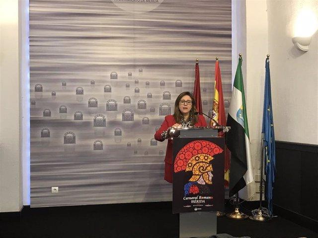 La delegada de Festejos, Ana Aragoneses en rueda de prensa.