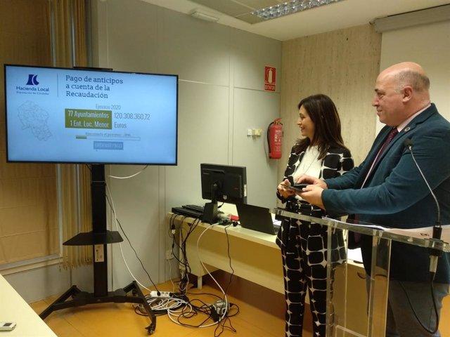 Antonio Ruiz, junto a Felisa Cañete, confirma la orden de pago