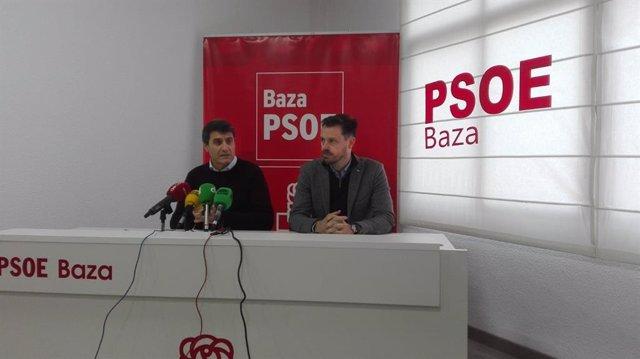 El parlamentario andaluz Juan José Martín Arcos y el alcalde de Baza, Pedro Fernández