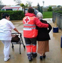 Evacuación realizada por Cruz Roja en 2018 en una residencia de Santa Fe
