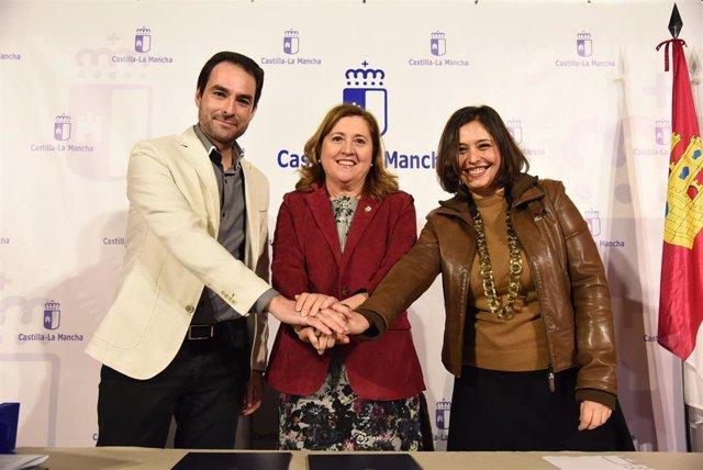Firma de un convenio entre el Gobierno de C-LM y la empresa GDH para la digitalización del patrimonio de la región