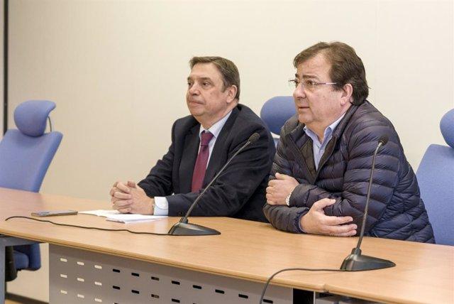 Luis Planas y Guillermo Fernández Vara en rueda de prensa en la apertura de Agroexpo 2020 en Don Benito