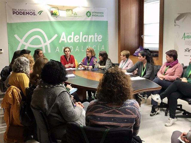 """Reunión de Adelante con colectivos de mujeres afectados por """"la paralización"""" de subvenciones a sus proyectos"""