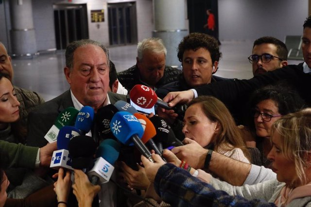 """Fútbol.- Junta de Andalucía pide """"tranquilidad"""" ante la llegada del equipo de fú"""