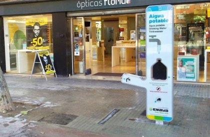 Emaya instala una fuente de agua potable filtrada en la plaza Pere Garau