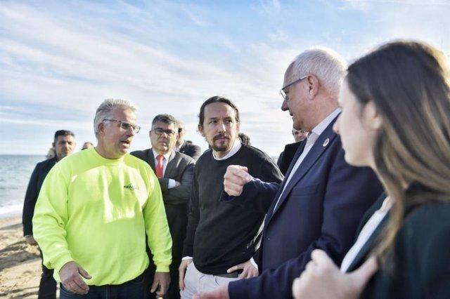 El vicepresident segon del Govern central i ministre de Drets Socials i Agenda 2030, Pablo Iglesias; i la secretària d'estat d'Agenda 2030, Ione Belarra, visiten les zones més afectades pel temporal Gloria a Dénia.