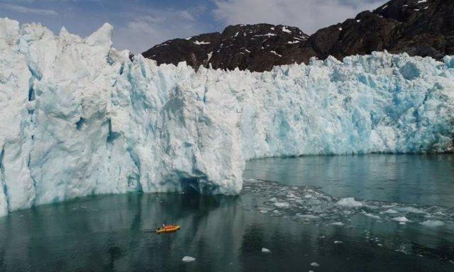 Kayaks robóticos detectan un rápido deshielo glaciar bajo el agua