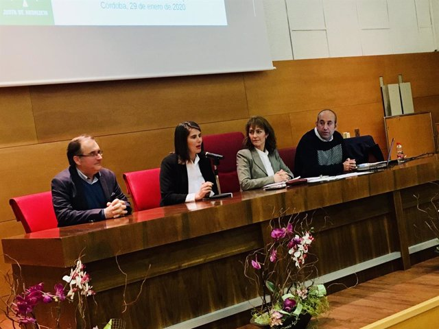Córdoba.- La Junta acerca a los municipios el 'Plan Itínere' para la mejora de c