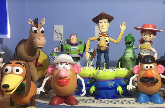 Toy Story con juguetes reales