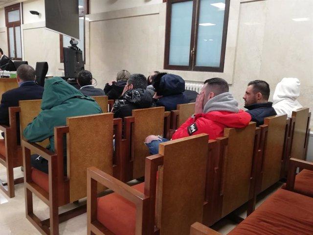 Los acusados de traficar con cocaína entre Galicia y Mallorca, en el juicio en la Audiencia Provincial de Baleares.