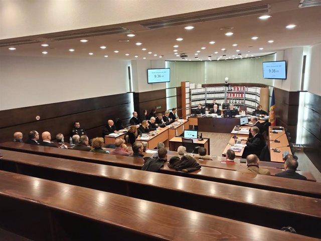 El juicio del 'caso BPA' se lleva a cabo en una sala que se ha adecuado especialmente para albergarlo.
